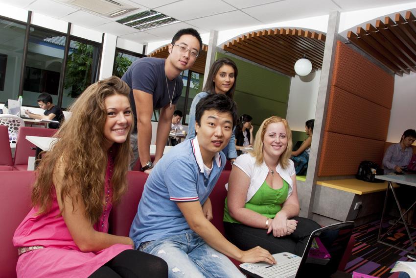 Tại sao chọn Đại học Công lập Úc tại Singapore