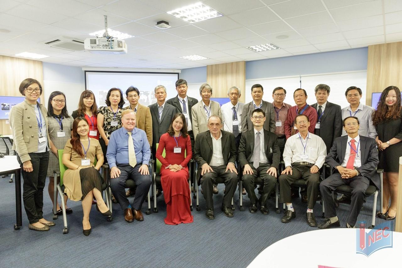 INEC tháp tùng phái đoàn các thầy hiệu trưởng THPT chuyên Việt Nam thăm JCU Singapore