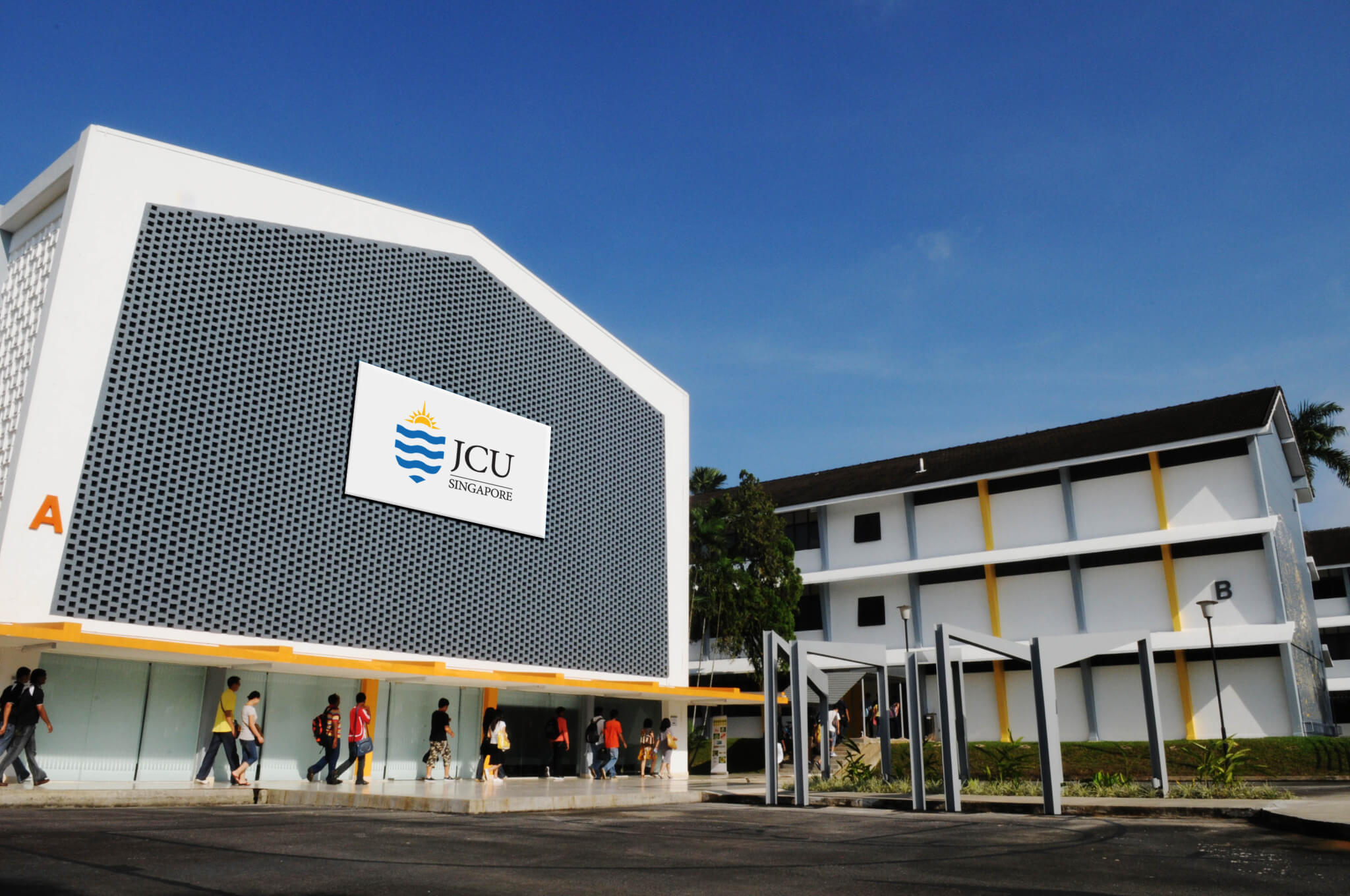 Tiết kiệm 40.5 triệu đồng tại JCU Singapore năm 2015